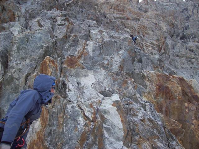 4-ая веревка на спуске с пер. Кичи-Муруджу Сев.