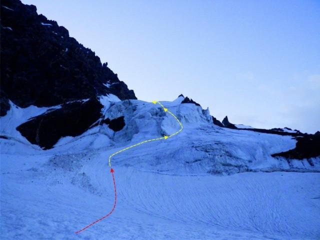 Фото 102 вид на путь подъема на пер. Селлы через ледопад