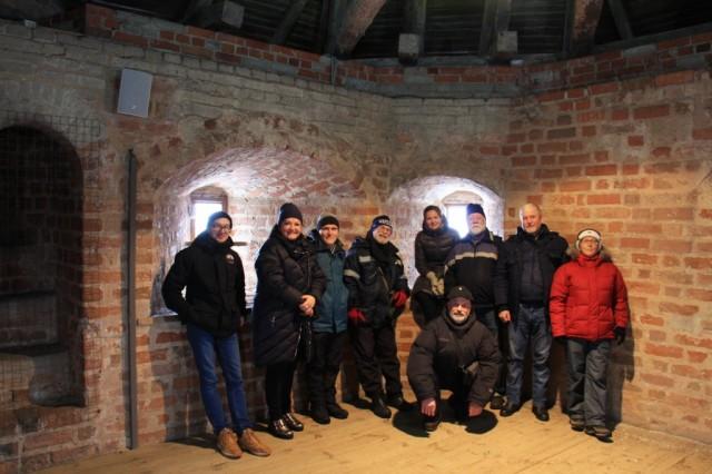 Наша группа в одной из башен Мирского замка